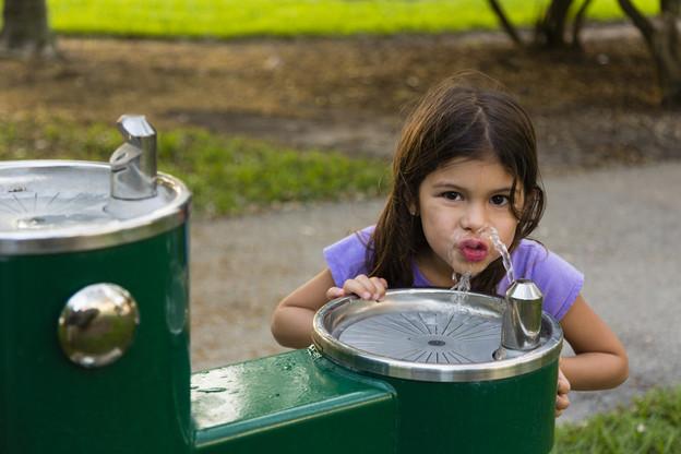 27 fontaines sont mises à disposition sur le territoire de la Ville de Luxembourg. (Photo: Shutterstock)