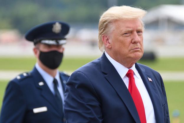 Les démocrates espèrent que Donald Trump prendra l'initiative de démissionner. Ce qui a peu de chances de se produire. (Photo: Shutterstock)