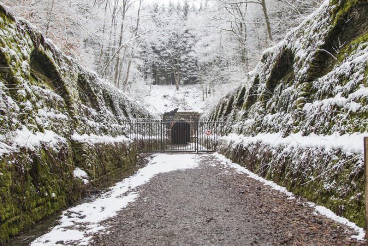 Le tunnel des chauves-souris à Huldange est situé sur l'ancien tracé d'une ligne ferroviaire. (Photo: fledermaustunnel.naturpark-our.lu)