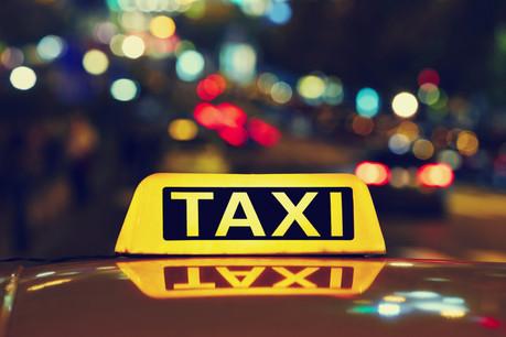 Quatre ans après, la réforme des taxis n'a pas permis de faire baisser les prix. Le ministre dégaine donc une nouvelle réforme, qu'il avait déjà promise il y a deux ans. (Photo: Shutterstock)