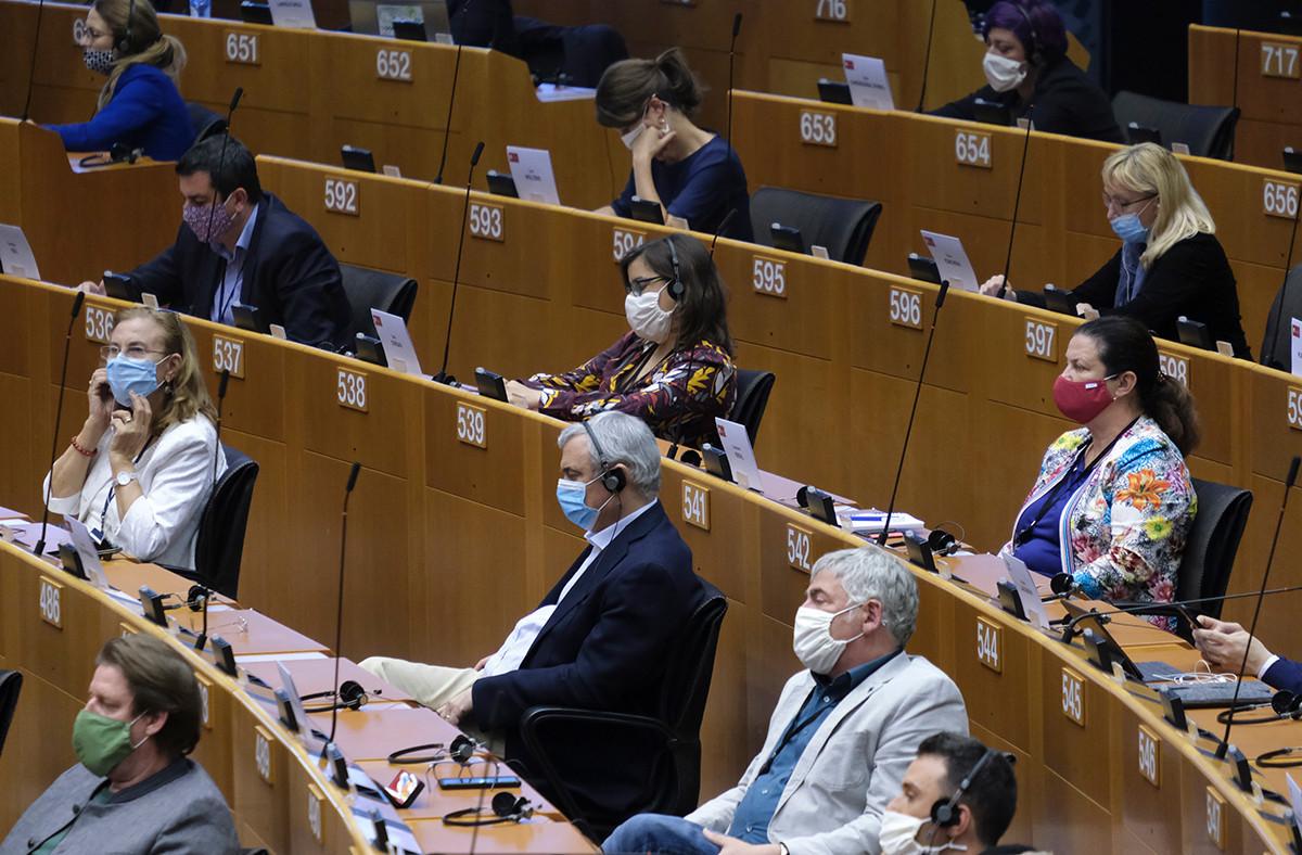 Le Parlement insiste auprès de la Commission pour que le volet «vert» du plan de relance s'élève à 40% de son montant total. (Photo: Shutterstock)