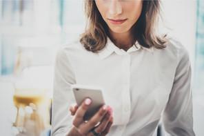 Trois applications nationales de traçage sont interconnectées depuis ce lundi. D'autres seront ajoutées au fur et à mesure, pour tous les Européens qui voyagent. (Photo: Shutterstock)
