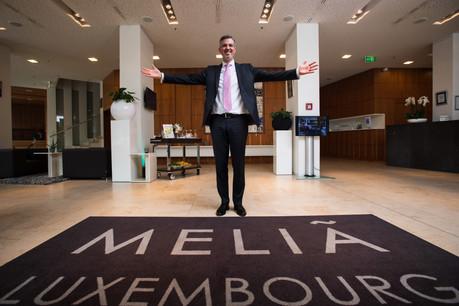 Rogier Van Zanten, le nouveau directeur, vérifie lui-même quotidiennement la propreté des chambres de son hôtel. (Photo: Nader Ghavami)