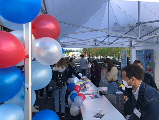 On Thursday, almost 900 new students discovered the University of Luxembourg's Belval campus.  Photo: Paperjam