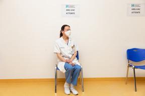 Les hôpitaux du pays ont reçu les premières doses de vaccin, et peuvent donc commencer à protéger leur personnel. ((Photo: Romain Gamba / Maison Moderne))
