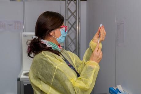ArcelorMittal, Luxair et les CFL, qui font partie des plus gros employeurs du pays, pourraient proposer des campagnes de vaccination contre le Covid-19 à leurs salariés lorsque le vaccin sera accessible à tous. (Photo: SIP / Emmanuel Claude)