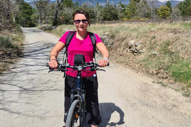 Catherine Kurzawa à vélo pendant ses vacances. (Photo: DR)