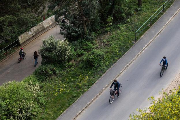 L'initiative gouvernementale de réserver des tronçons routiers aux vélos, piétons et bus ne ravit pas l'ACL. (Photo: Matic Zorman/archives/Maison Moderne)