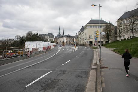Les voitures ont disparu du paysage au Luxembourg et les ventes ont reculé de 50% en mars. (Photo: Matic Zorman/archives)