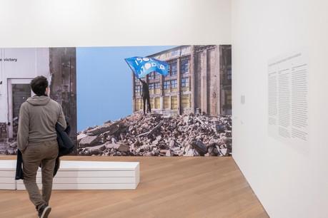 Dans les salles d'exposition du Mudam, les œuvres de Bert Theis déploient leur force utopique. (Photo: Eric Chenal  pour le  Mudam Luxembourg
