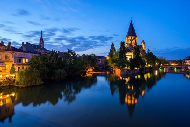 Meuse, Moselle et Meurthe-et-Moselle peuvent s'attendre à un couvre-feu avancé à 18h. (Photo: Shutterstock)