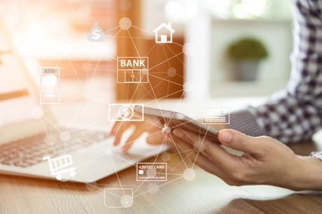 Alessandra Simonelli: «Pour les opérations courantes, les clients demandent à pouvoir tout faire en self-banking via l'appli ou le site internet, ce qui est possible sans frais.» (Photo: Shutterstock)