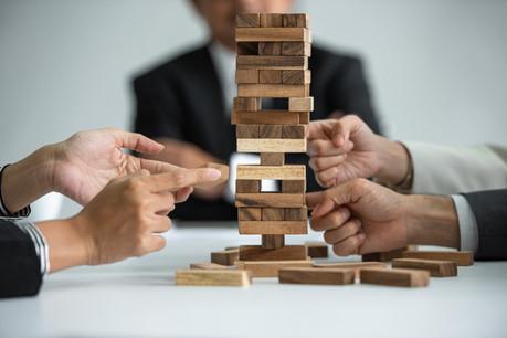 L'équilibre d'une start-up peut être menacé par l'arrivée d'un vétéran, censé donner de la crédibilité au projet, mais hors du projet lui-même. Un signe de faiblesse pour des VC. (Photo: Shutterstock)