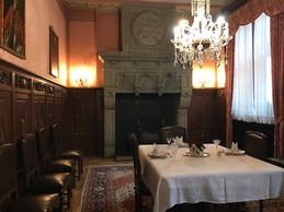 Dans la salle à manger, la table est mise et n'attend plus que les invités. ((Photo: Paperjam))