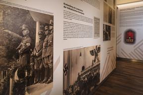 Le premier acte du Gauleiter en 1940 consista à interdire l'usage des langues autres que l'allemand. (Nader Ghavami / Maison Moderne)