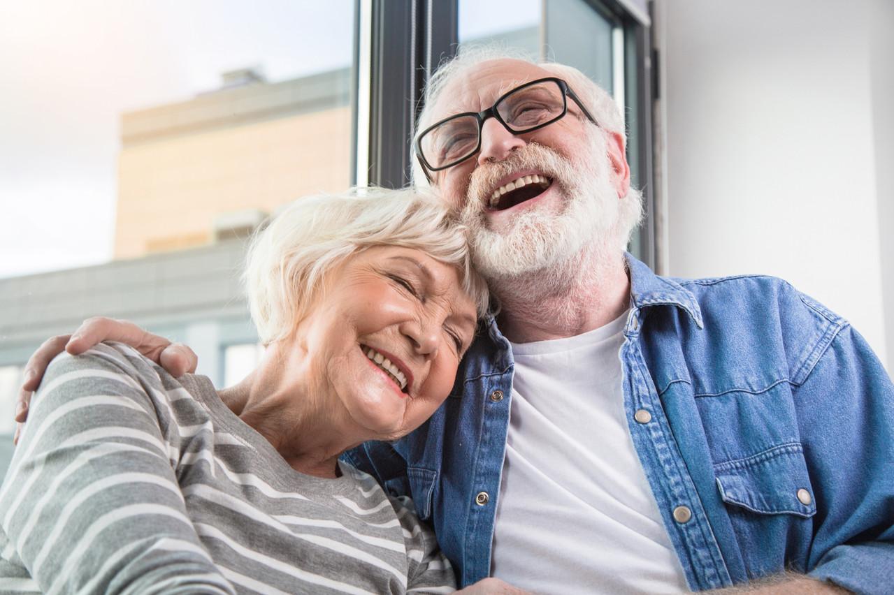 L'entourage et l'accès aux transports en commun aident à maintenir l'indépendance des personnes âgées. (Photo: Shutterstock)