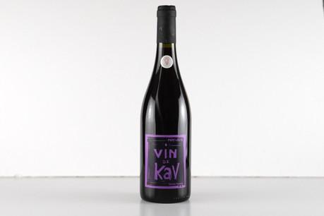 Après Du Beur dans le Pinard, le viticulteur nature et loufoque Karim Vionnet revient en force avec Vin de Kav… Matic Zorman / Maison Moderne