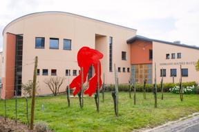 La sculpture«Life» de l'artiste Rotraut donne le ton artistique du Domaine Mathis Bastian. (Matic Zorman/Maison Moderne)