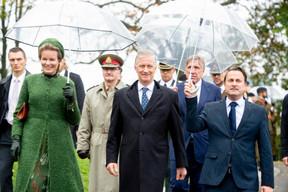S.M. la Reine des Belges, Alain Duschène (chef d'état-major de l'armée),  S.M. le Roi des Belges, François Bausch (vice-Premier ministre) et Xavier Bettel (Premier ministre) ((Photo: Anthony Dehez))