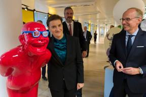 Ana Brnabic (Première ministre de la république de Serbie), Marko Cadez (président de la Chambre de commerce de Serbie) et Luc Frieden (président de la Chambre de commerce) ((Photo: SIP / Emmanuel Claude))