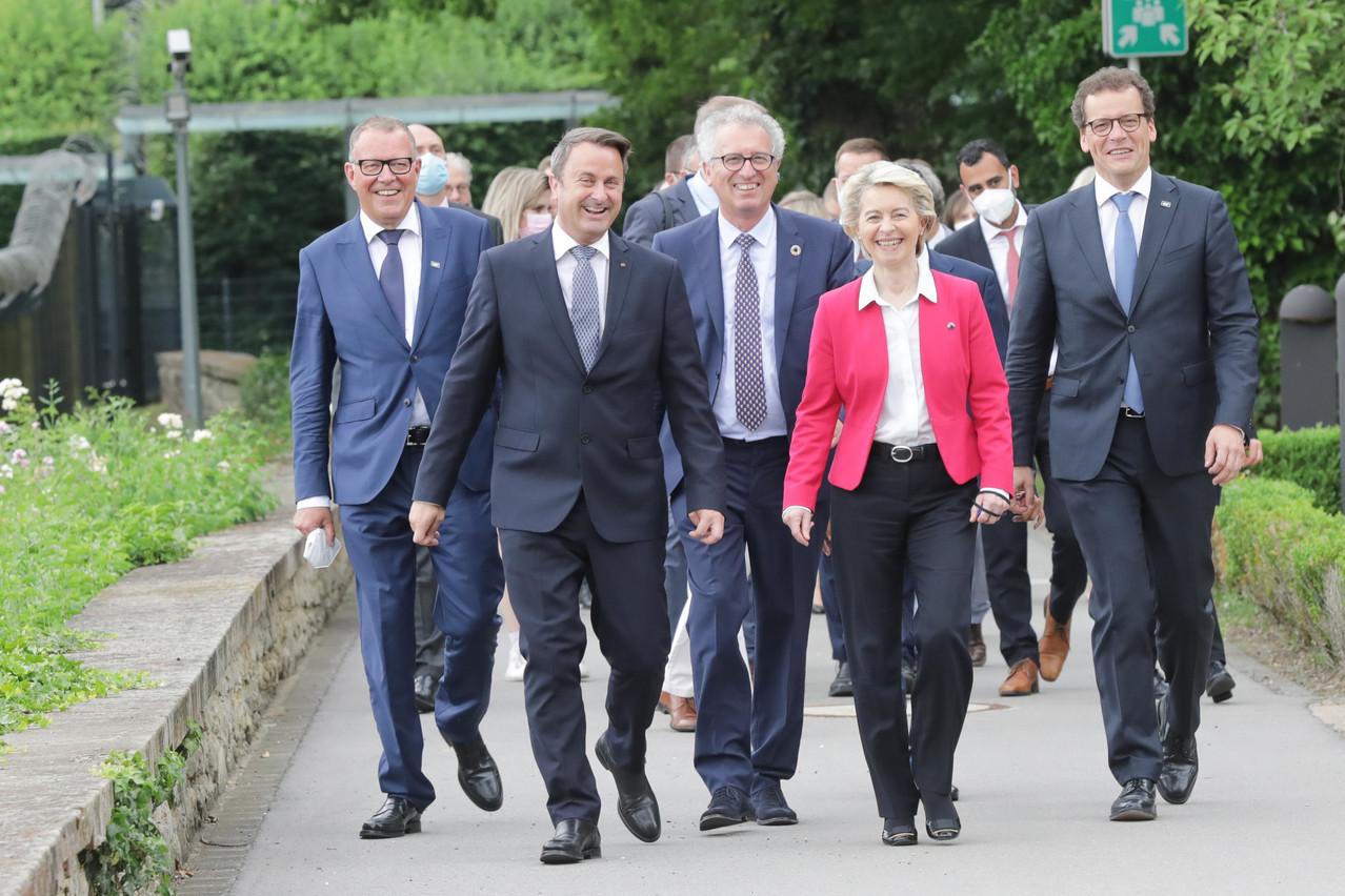 La visite de travail de la présidente de la Commission s'est déroulée dans une évidente bonne humeur. (Photo: SIP/LucDeflorenne)