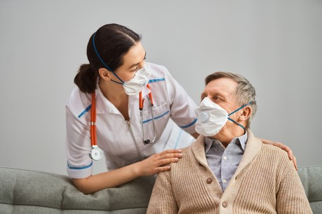 Les maisons de soins peuvent rouvrir leurs portes aux visiteurs, sous certaines conditions. (Photo: Shutterstock)