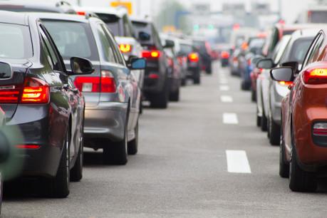 Le gouvernement annonce que «le premier bilan de la (...) première phase test s'avère très encourageant: la circulation est devenue plus fluide, ceci grâce à une harmonisation du flux de trafic et de la limitation des changements de files ainsi qu'une réduction des manœuvres de freinage brusques.» (Photo: Shutterstock)