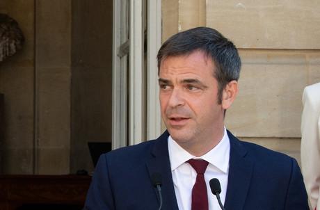 Le ministre français de la Santé, Olivier Véran, sera en Moselle ce vendredi pour aviser de la situation. (Photo: Shutterstock)