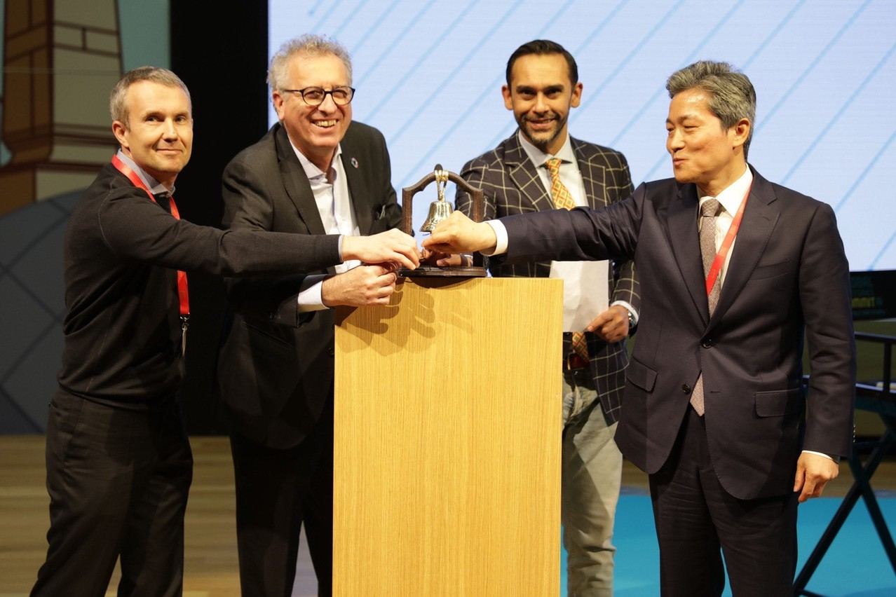 AlexanderTkachenko  (CEO e t fondateur de  VNX Exchange), Pierre Gramegna ( ministre luxembourgeois des Finances ), Nasir Zubairi (CEO  de la Lhoft ), In-kyu Park (a mbassadeur de Corée au  Luxembourg).  (Photo: VNX)