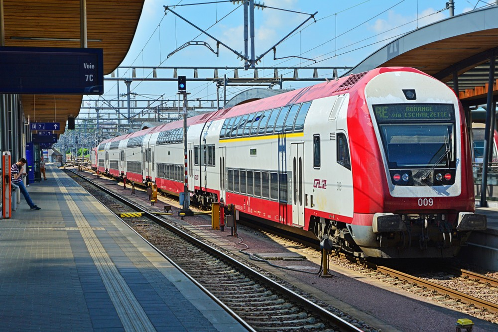 Les trains luxembourgeois doivent rester en permanence sous tension. La procédure belge ne le prévoit pas. (Photo: Shutterstock)