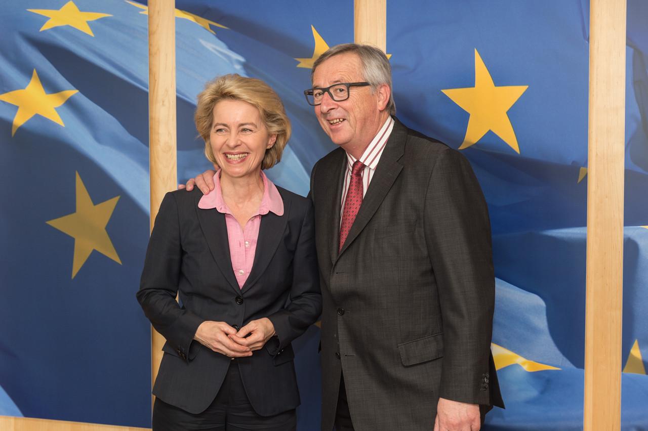 Ursula von der Leyen et Jean-Claude Juncker, à qui elle va succéder à la présidence de la Commission européenne, en 2015. (Photo: Commission européenne / Services audiovisuels / archives)