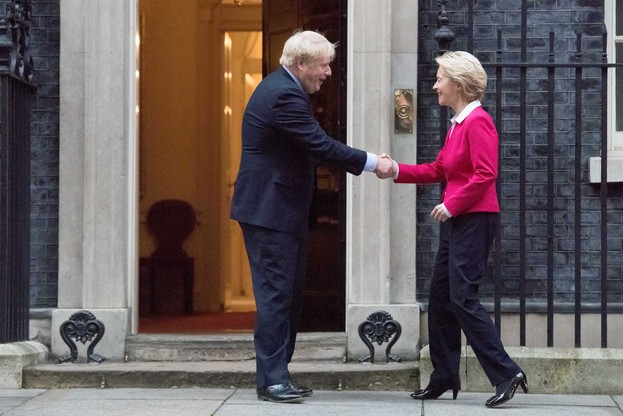 Première rencontre entre Ursula von der Leyen et BorisJohnson. (Photo: Commission européenne)