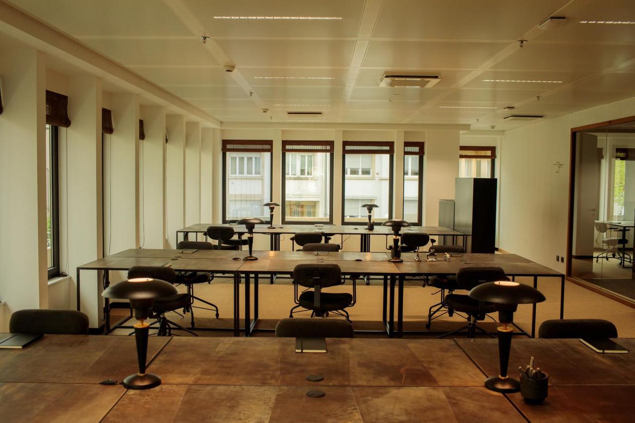 Les bureaux sont meublés avec du mobilier de qualité. (Photo: Matic Zorman)
